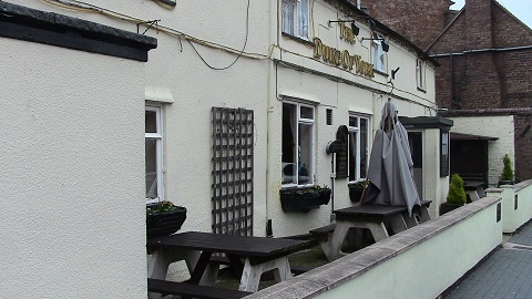 Walking in Shropshire - Duke of York Pub Broseley - walking & wine