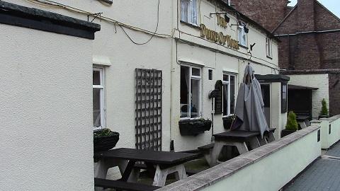 Walking in Shropshire - Duke of York Pub Broseley - walking & wine