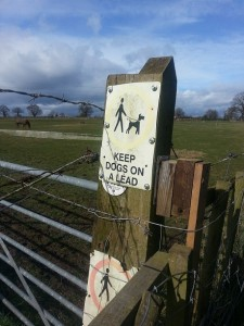 walking in shropshire - dogs on lead sign - walking & wine